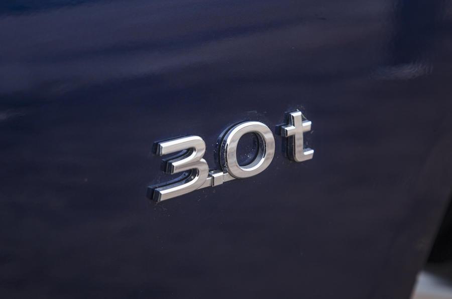 2016 Infiniti Q50 3.0 t Badge