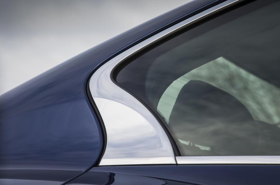 2016 Infiniti Q50 Rear Wing