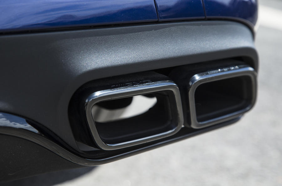Mercedes-AMG C 63 S Coupé quad exhaust