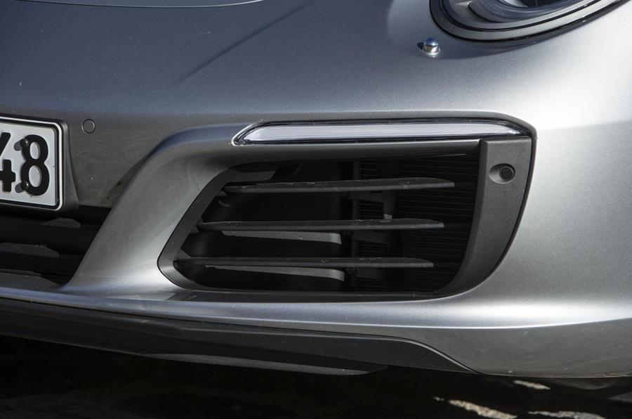 Porsche 911 Carrera air vent