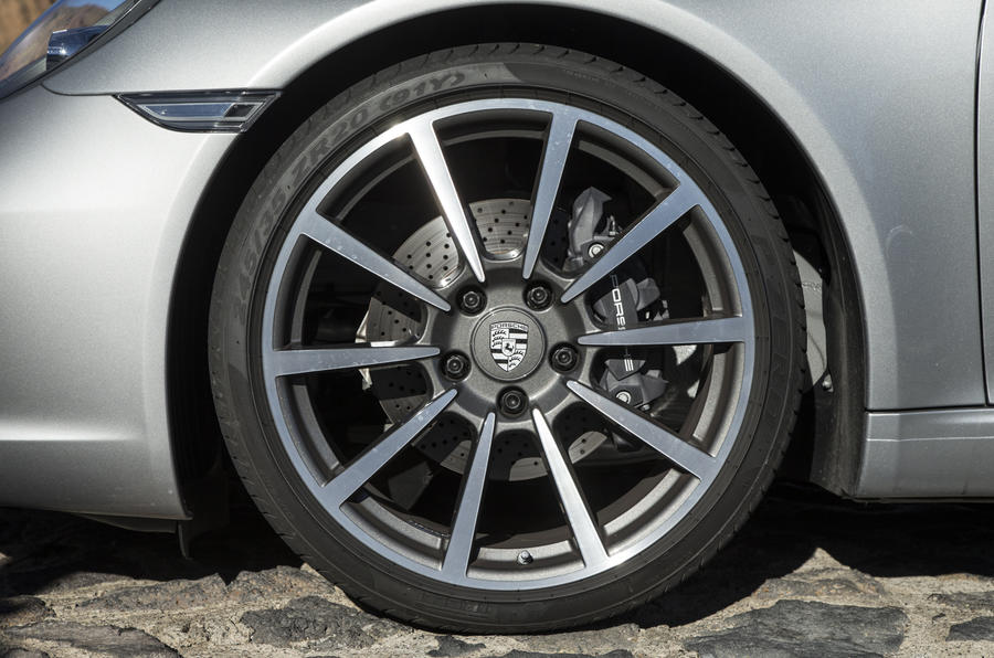 Porsche 911 spindle alloys