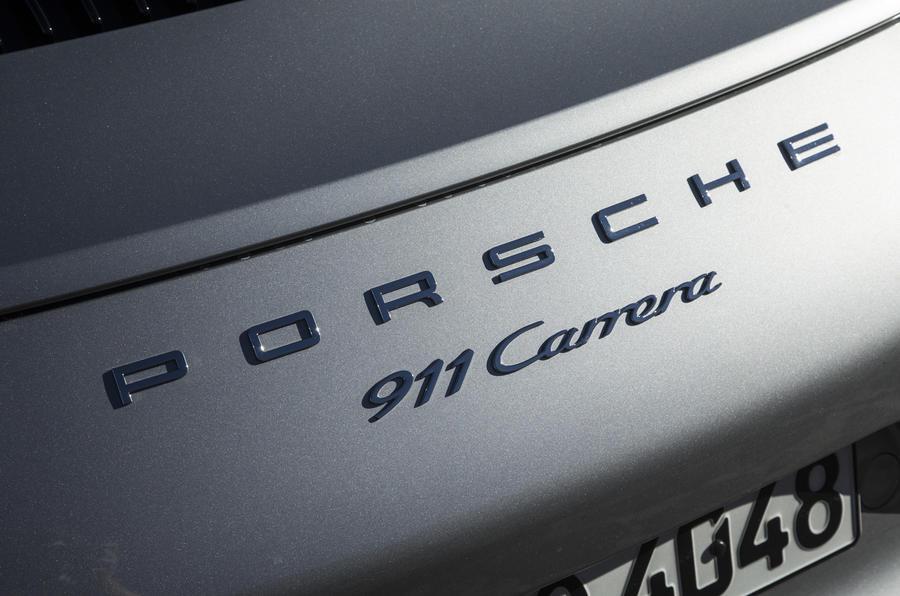 Porsche 911 Carrera badging