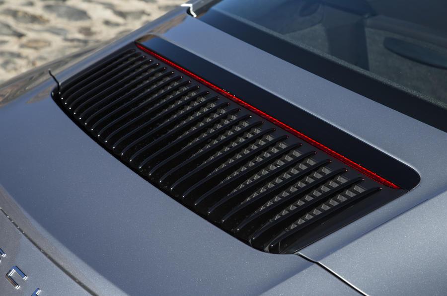 Porsche 911 Carrera engine vent