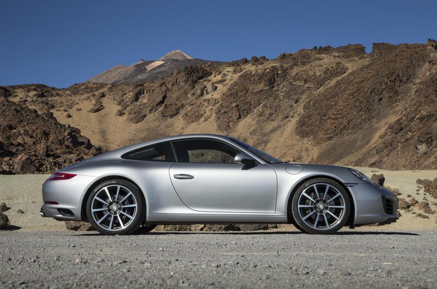 Porsche 911 Carrera side profile