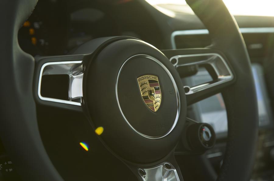 Porsche 911 Carrera steering wheel