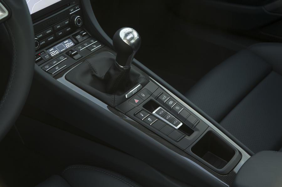 Porsche 911 Carrera manual gearbox
