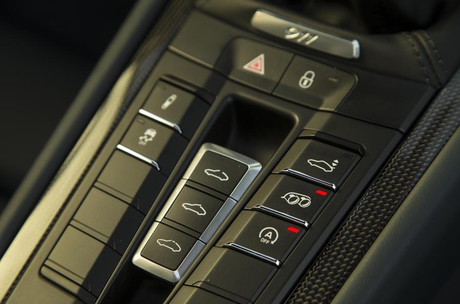 Porsche 911 adjustment controls