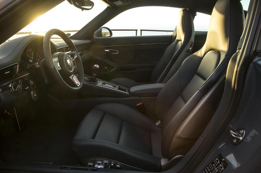 Porsche 911 Carrera front seats