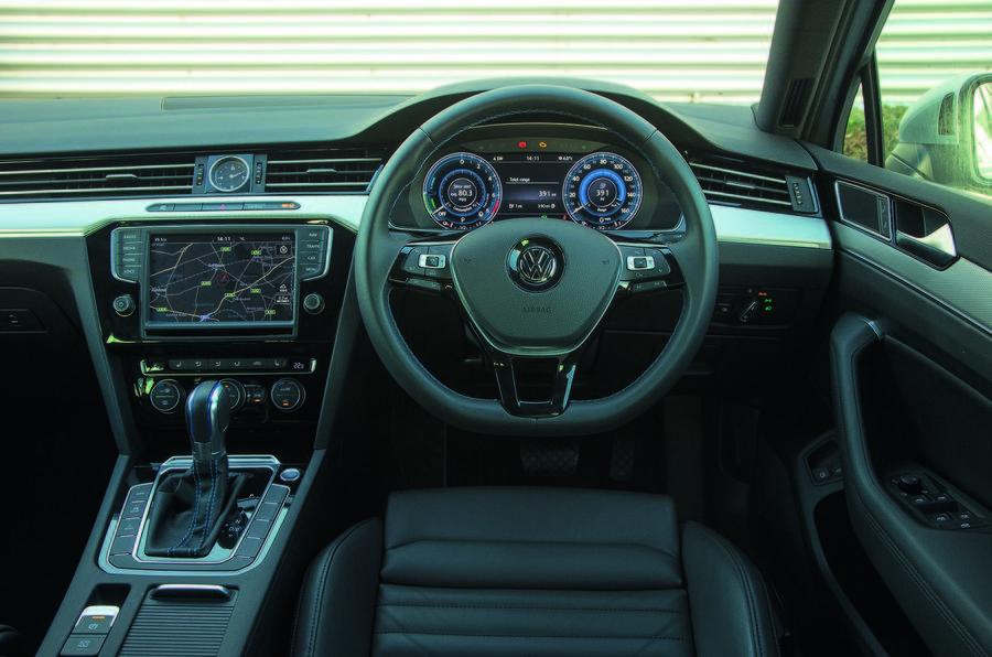 Volkswagen Passat GTE Estate interior