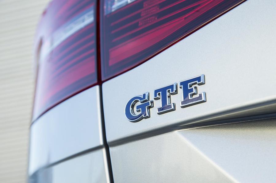 Volkswagen Passat GTE Estate badge