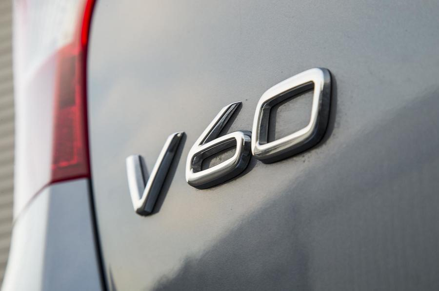 Volvo V60 D5 Twin Engine SE Nav badge