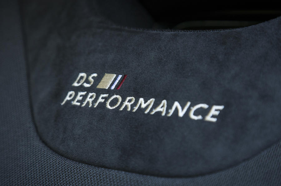 DS 3 Performance badging