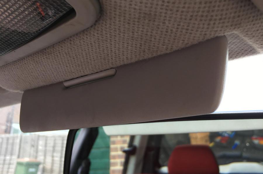 Volkswagen Lupo central sun visor