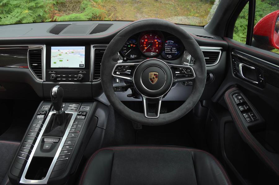 Porsche Macan GTS dashboard