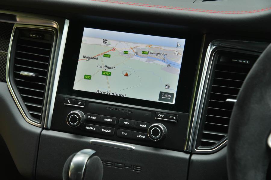 Porsche Macan GTS infotainment