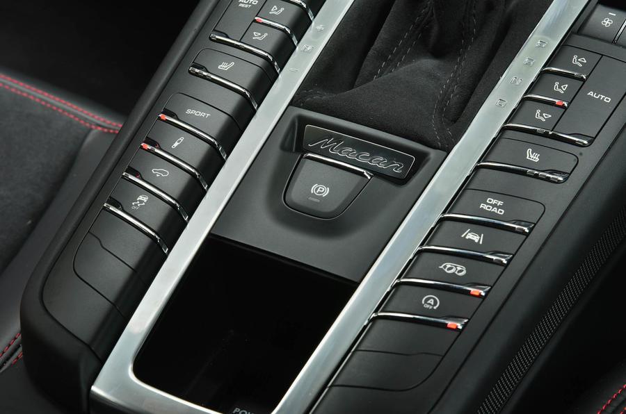 Porsche Macan GTS dynamic control