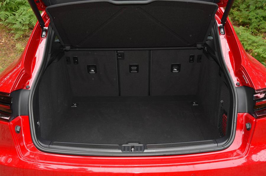 Porsche Macan GTS boot space