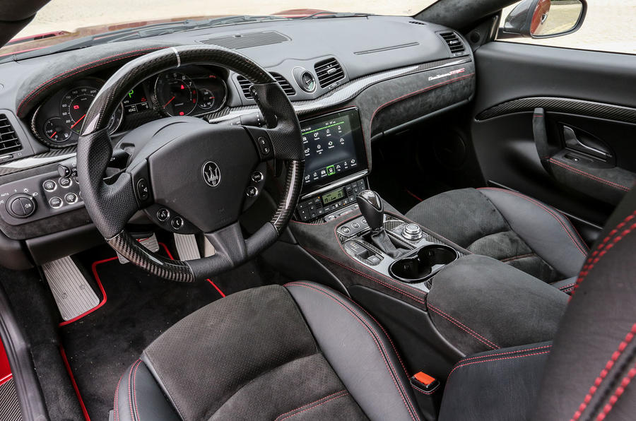 Maserati GranTurismo MC dashboard