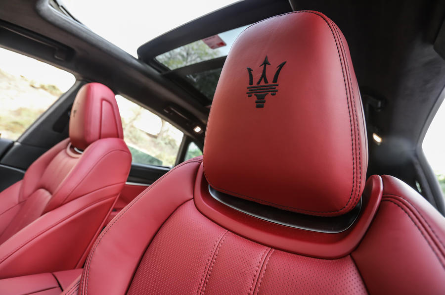 Maserati Levante S GranSport head rests