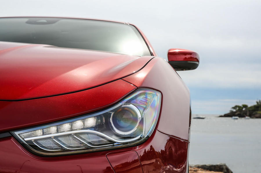 Maserati Ghibli Diesel LED headlights