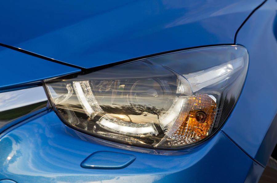 Mazda 2 xenon headlight
