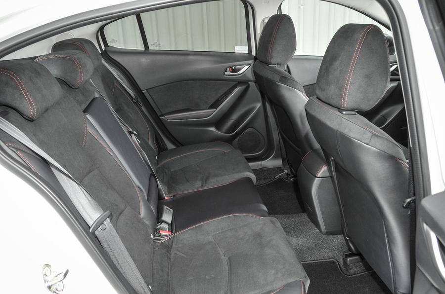 Mazda 3 Sport Black rear seats