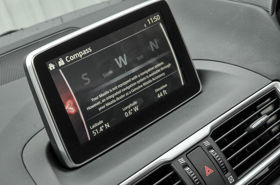 Mazda 3 Sport Black infotainment