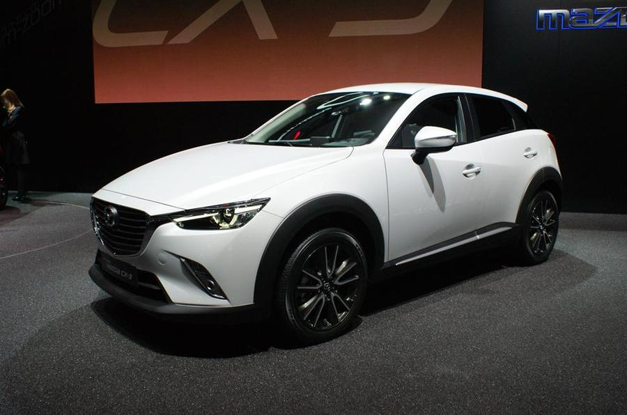 mazda cx 3 crossover revealed at la motor show. Black Bedroom Furniture Sets. Home Design Ideas