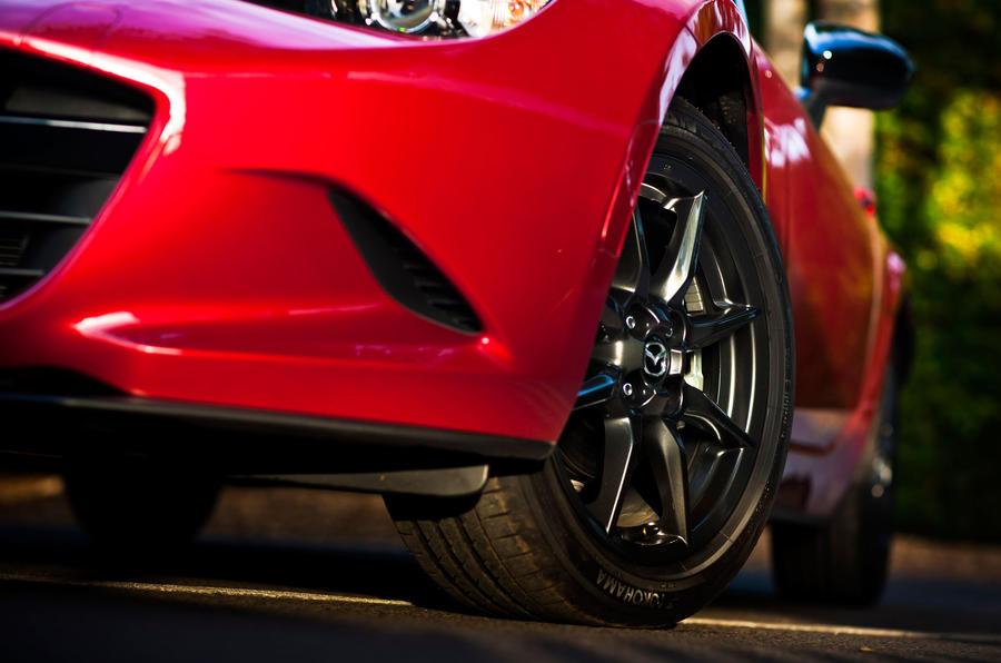 Mazda MX-5 black alloys