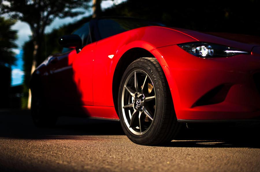 Mazda MX-5 side profile