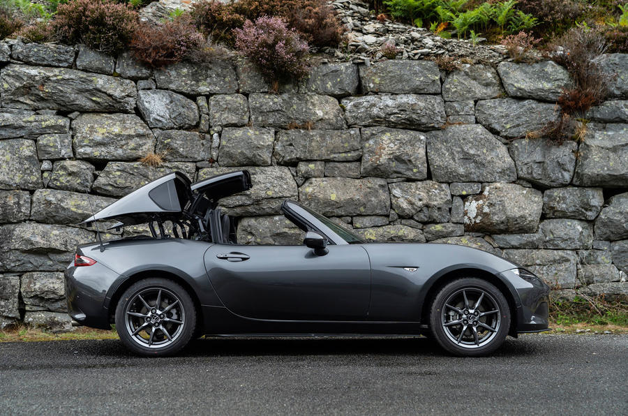 Mazda MX-5 RF 2018 Uk first drive review folding roof