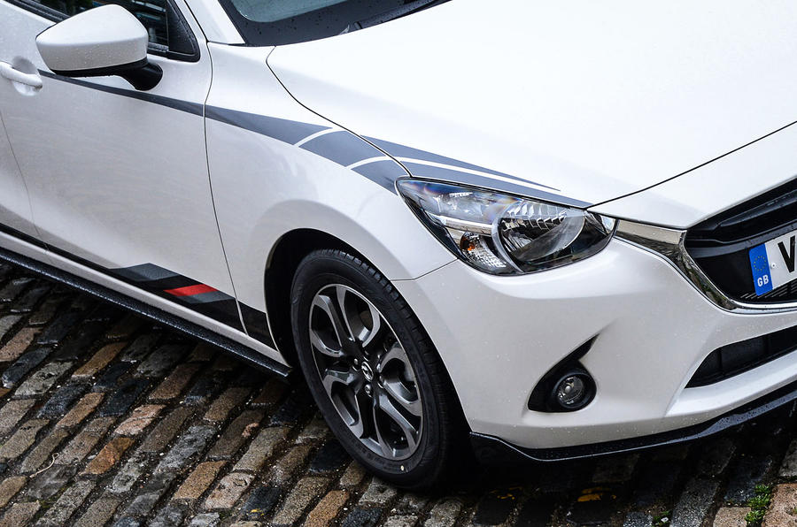 Mazda 2 front wing