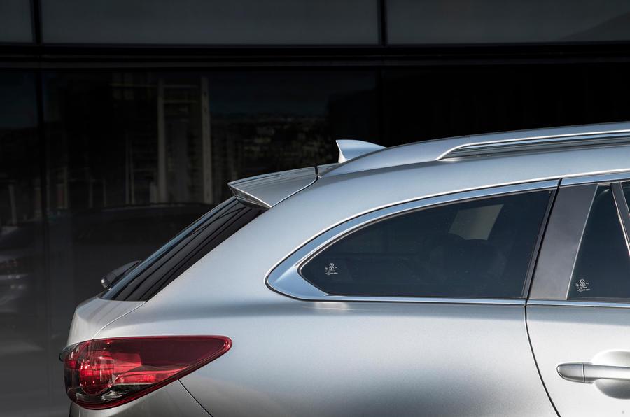 Mazda 6 Tourer rear roof line