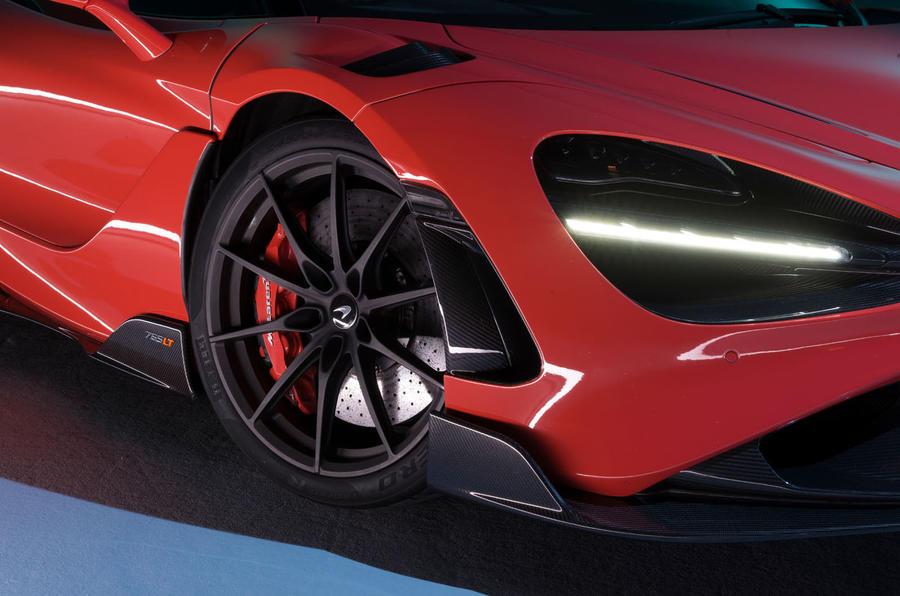 2020 McLaren 765LT - front detail