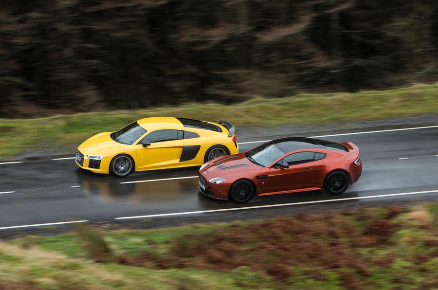 Audi R8, Aston Martin V12 Vantage