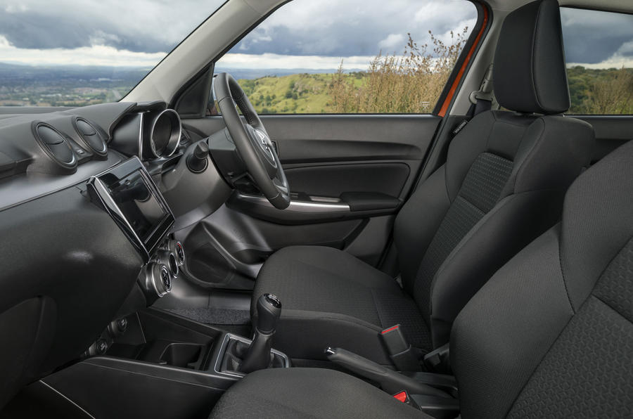 Suzuki Swift Hybrid SZ5 2020 - intérieur