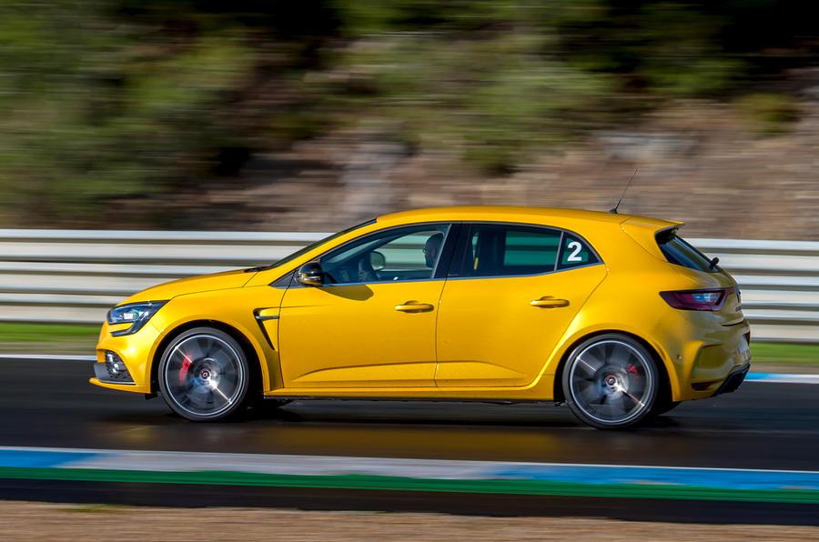 Renault Megane RS Trophy profile