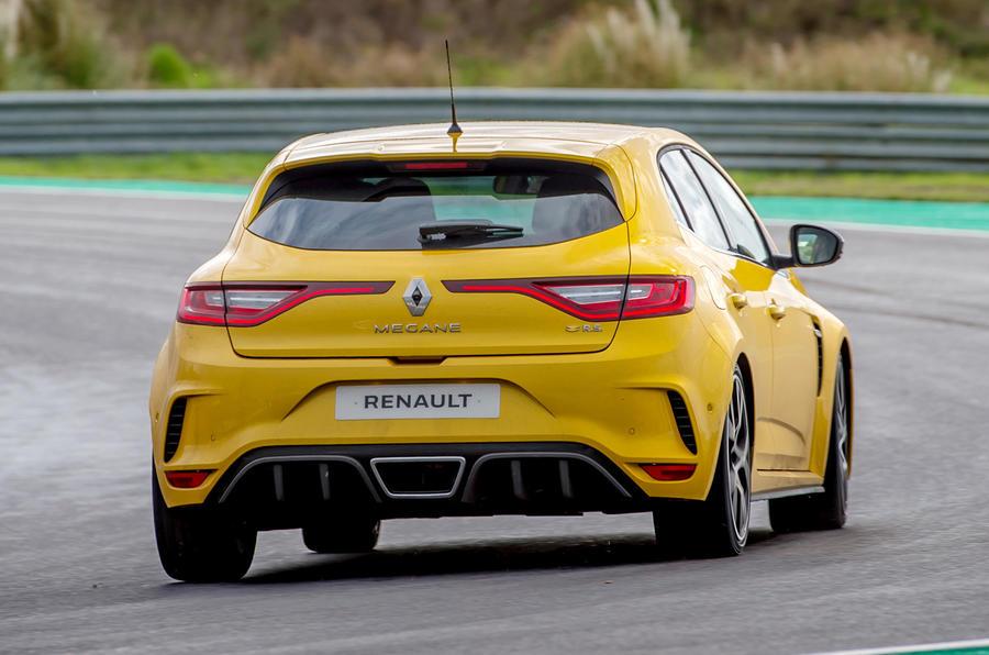Renault Megane RS Trophy rear cornering