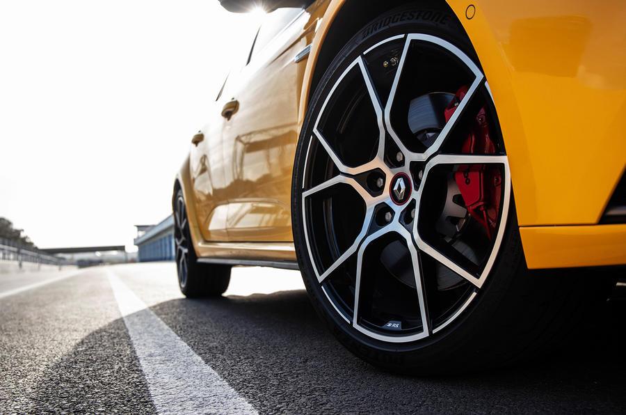 Renault Megane RS Trophy details