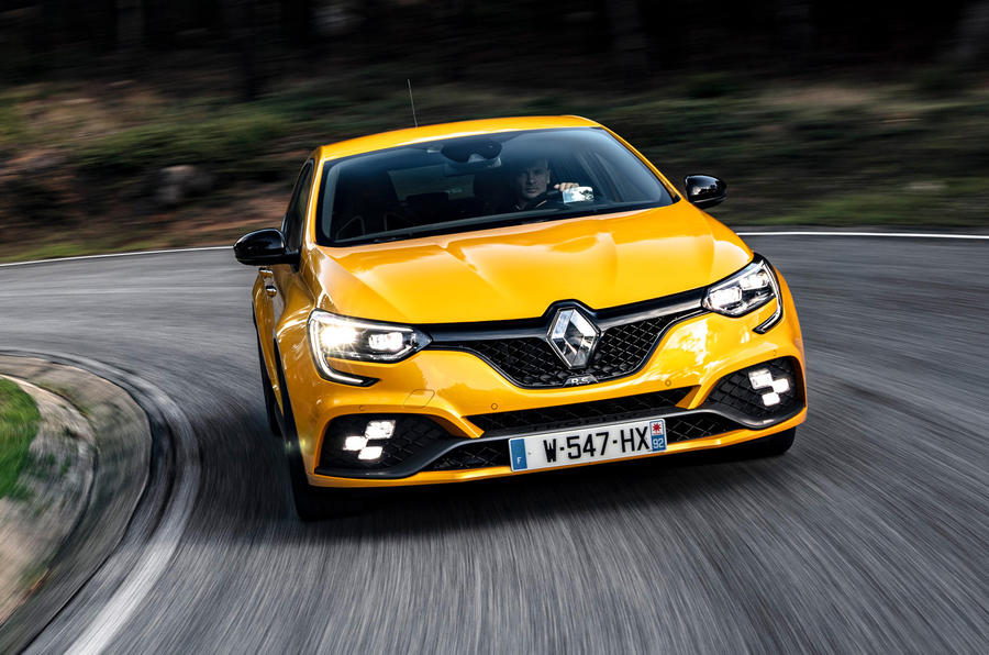 Renault Megane RS Trophy road cornering