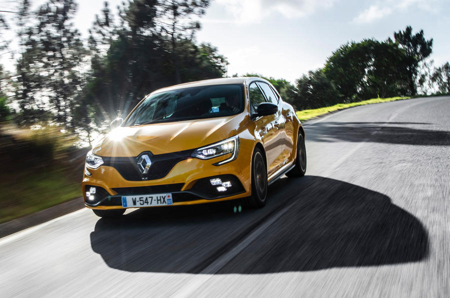 Renault Megane RS Trophy road driving