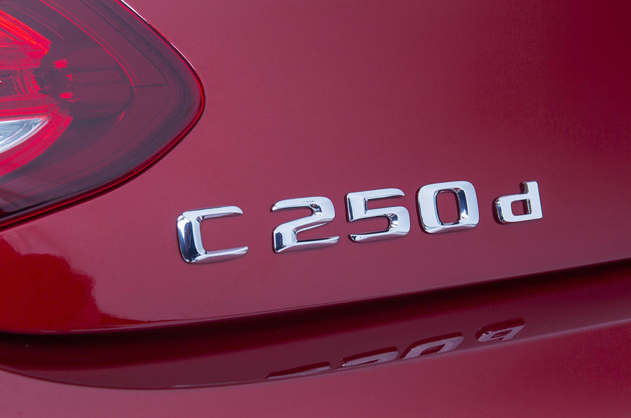Mercedes-Benz C 250 d badging