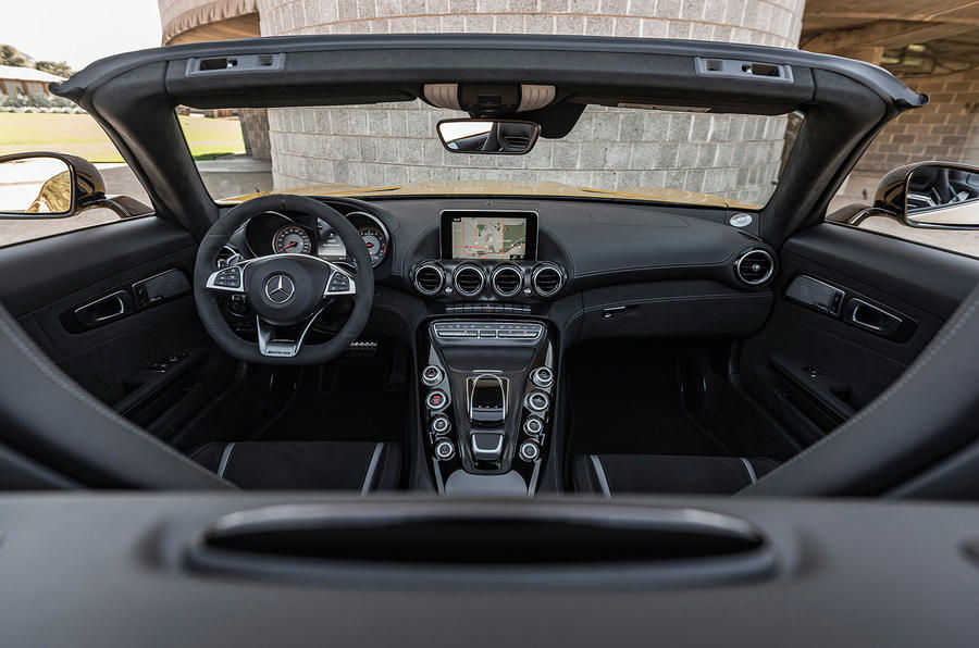 Mercedes-AMG GT C Roadster dashboard