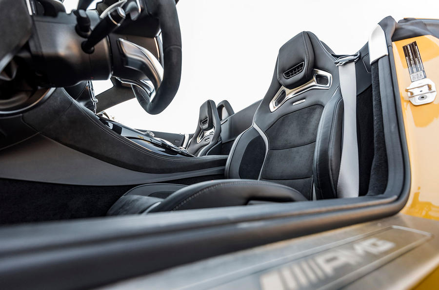 Mercedes-AMG GT C Roadster front seats