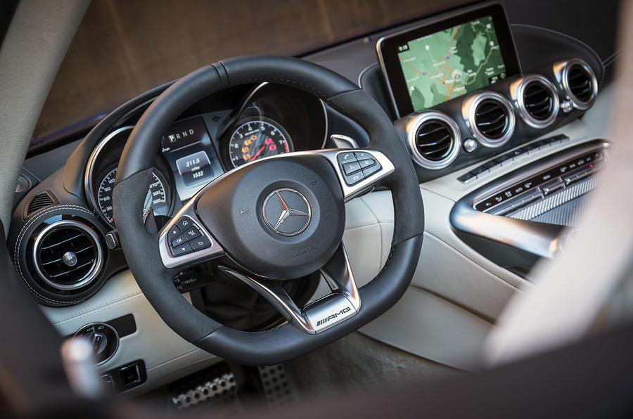 Mercedes-AMG GT Roadster dashboard
