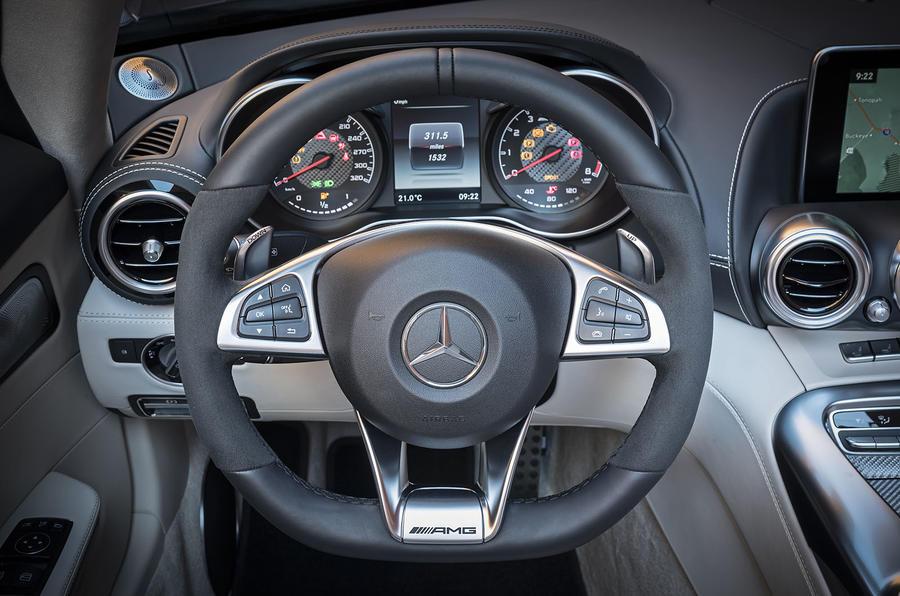 Mercedes-AMG GT Roadster steering wheel