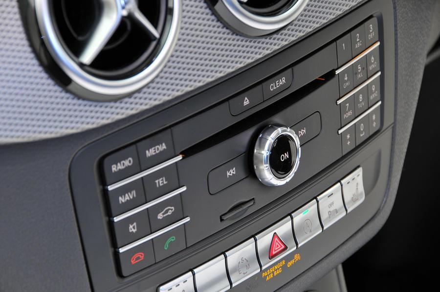 Mercedes-Benz B-Class audio system