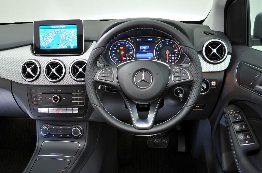 Mercedes-Benz B-Class dashboard