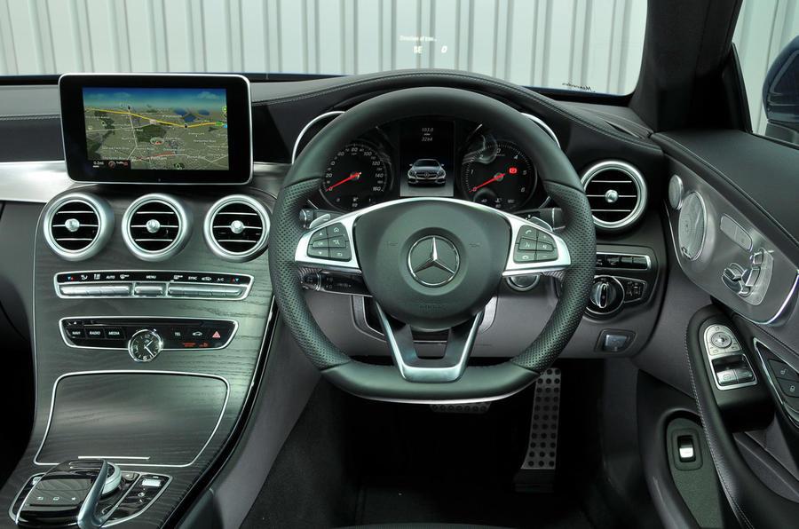 Mercedes-Benz C 250 d dashboard