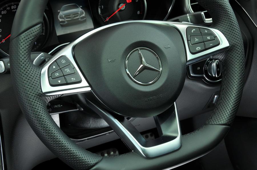 Mercedes-Benz C 250 d Coupé steering wheel